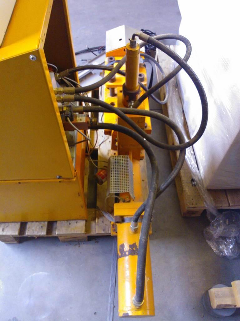 Gebruikte briketpers Schuko Compacto 800 - store